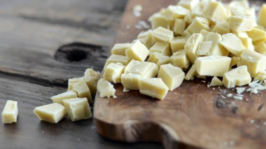 Peanut Butter, Chocolate & Shortbread Blondies - TIK